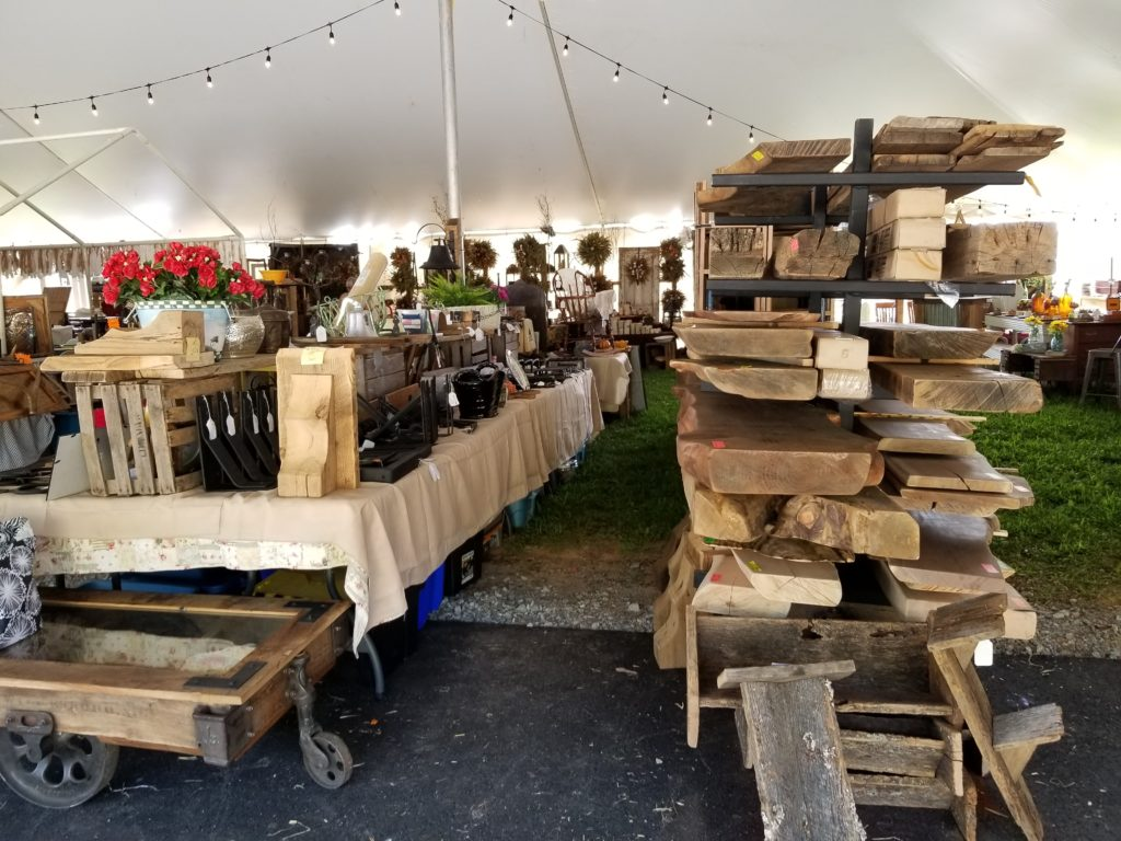 Wholesale Reclaimed Lumber At A Craft Show
