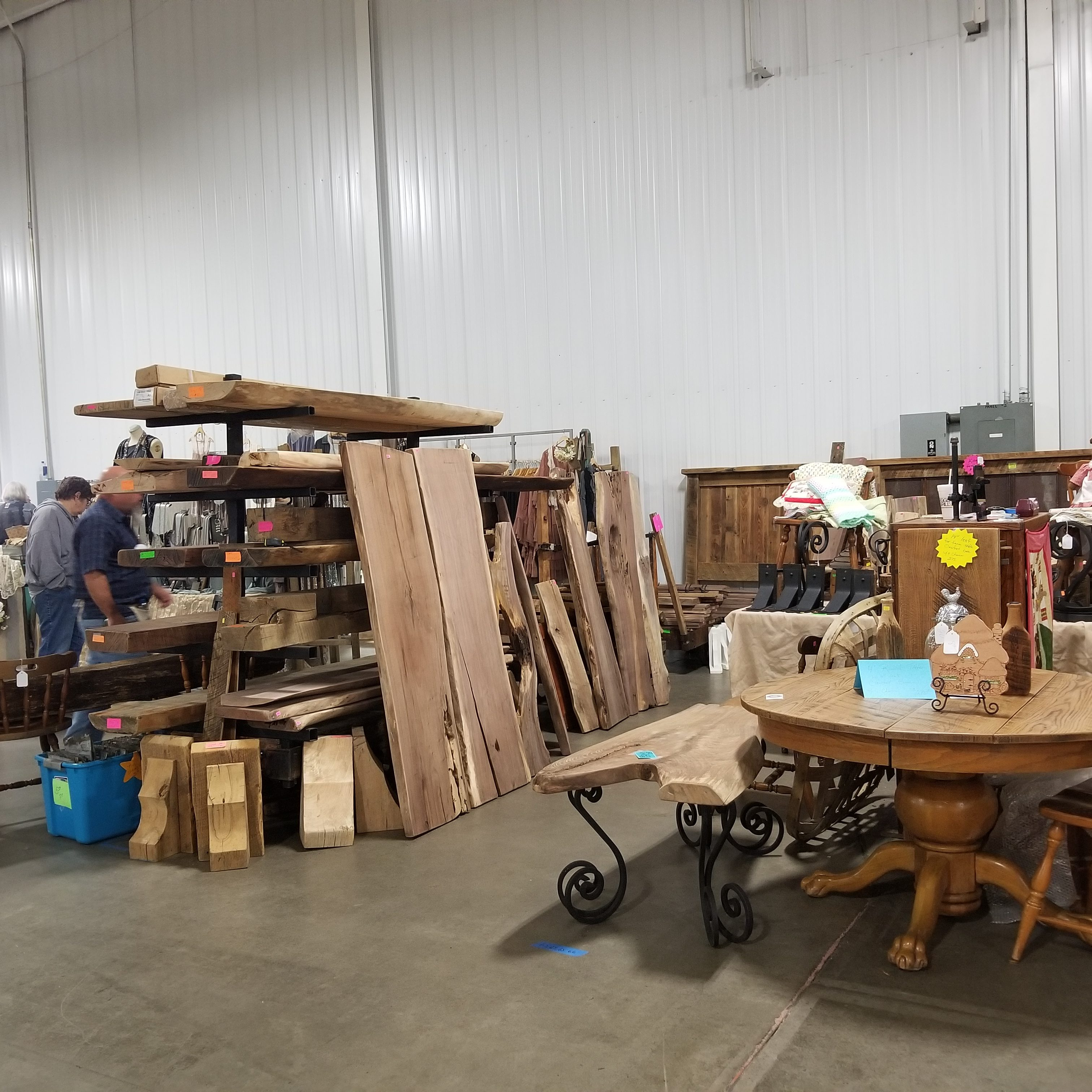 Wholesale Reclaimed Lumber Table And Wood Pieces